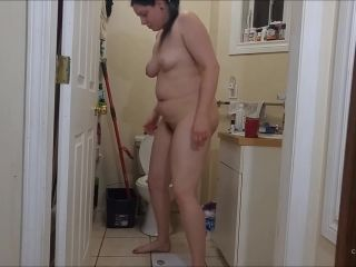 Booty4U - Naked Weigh-In