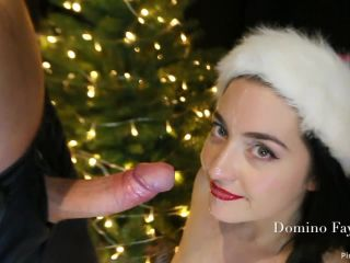 ManyVids Webcams Video presents Girl Domino Faye in Decorating Mrs. Claus face