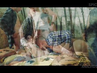 Sara Bell - GangBang in the farm withSara BellMS111 [HD 720P] - Screenshot 1