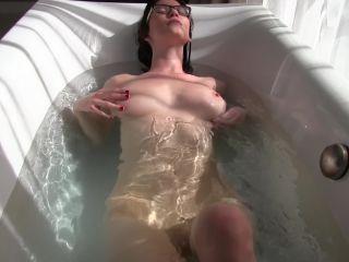 Amber Hahn Bathtub Fingering