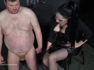 BallBustingChicks – Sophia Black – I Ridicule Men With Small Cocks