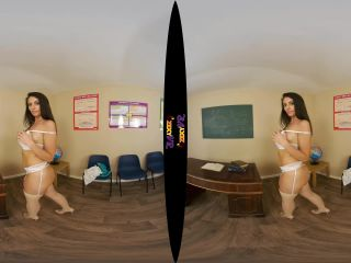 VR 1432-Holly P - Teacher Tease