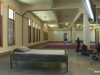 Bodybuilder gets edged by a guy for the first time - Kink  September 24, 2013