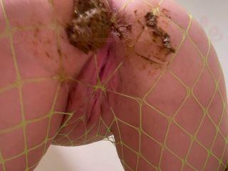Sophia_Sprinkle - Gorgeous Clear Panty Poop Making Stwinkies [FullHD 1080P] - Screenshot 4