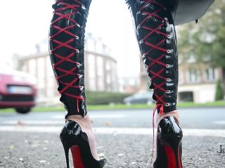Julie Skyhigh, Pantyhose, Stockings, Leggings - hooker in legging latex with rolf P1 [foot fetish]