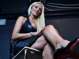 Lucy Zara in Dungeon Foot Worship Clip