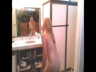 Voyeur 12002-woman in bathroom