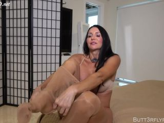mommy's footjob made me explode on her wolford's  butt3rflyforu
