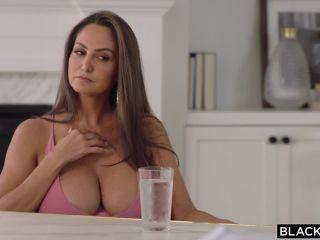 big jiggly tits fetish porn      big tits