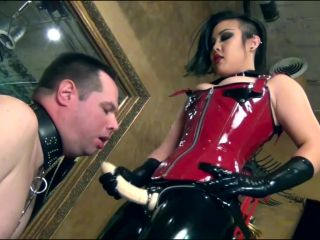 Mistress an Li - Strap On Domination