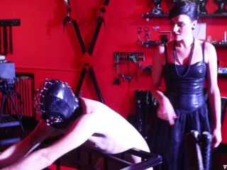 Extreme Corporal Punishme – Mistress Iside – A MASSACRE NO HOLDS BARRED