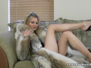 Foot Licking – Mistress Aleana's Queendom – Foot Worship In Furs