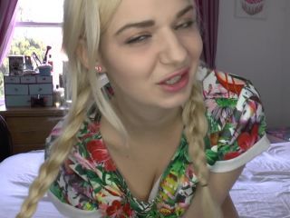 Foot JOI – Bad Dolly – little sister foot fetish tease