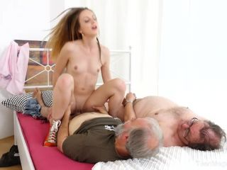 Old-n-Young presents Natalia Pearl in Grandpas sandwich fresh cutie -  - old and young - old/young
