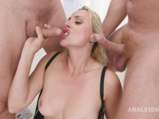 Giada Sgh lick huge anal prolapse busty MILF Brittany Bardot