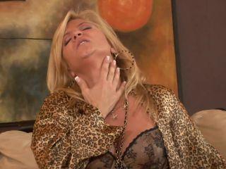 MILF Ginger Lynn Gingerly Licks Dick For Facial  Nov 30, 2009
