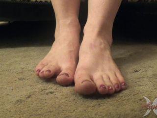 Porn tube Olivia Rose - Underdesk Foot Voyeur