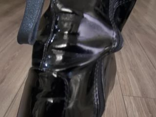Boots2804122