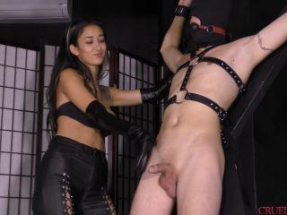 Cruel Mistresses – Mistress Darcia Lee – Cruel Handjobs – Cruel Darcia Lee (720 HD) – Forced Orgasm