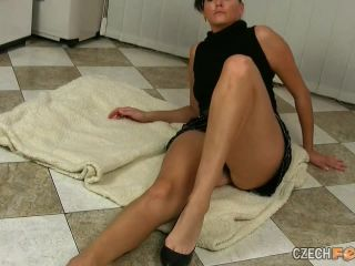 nicki minaj femdom feet   Simonka – Foot Play, Female Domination   femdom