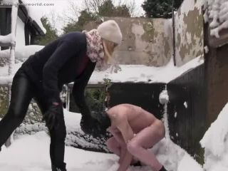 Nikki whiplash warm up ballting in the snow