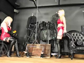 Mistress Nikki Whiplash, Mistress Frankie Babe – WL1532 – Inverted boot worship