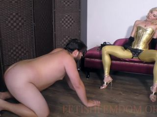 Female Supremacy – Worship The Wolfe – Establishing the Domme-slave Dynamic