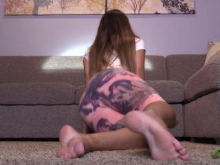 Bratty Bunny – Yoga Foot JOI