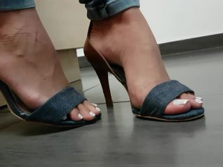 Porn online [Femdom 2019] Jhonn – Womens Feet – WORSHIP OF PAULINHA'S FEET WITH FRENCH TOE NAILS [Foot Fetish, Footworship, Footlicking, Foot Licking, Foot Worship] femdom