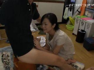 [Pacopacomama-013113 838] スケベ椅子を持参する美魔女の風俗嬢