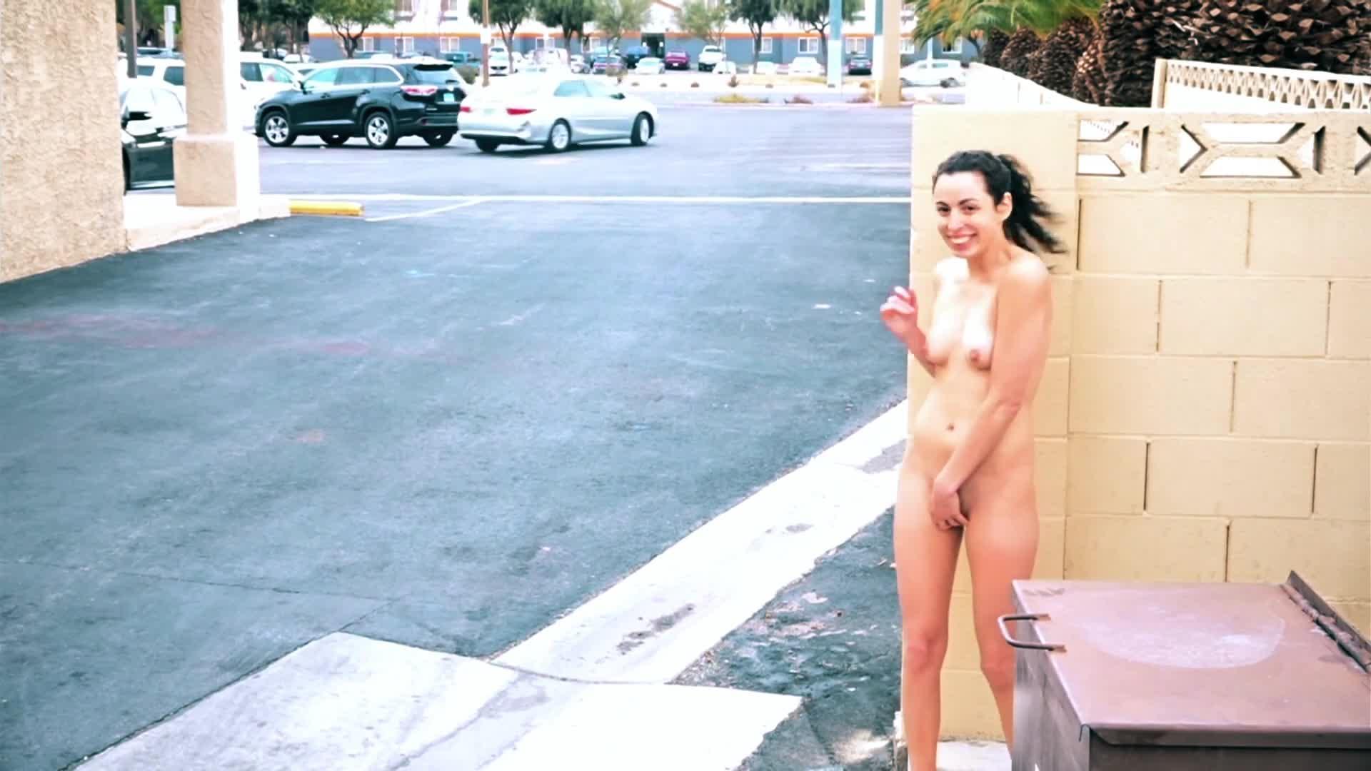 Nicolle nackt Blair All Girls
