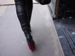 Julie Skyhigh, Pantyhose, Stockings, Leggings - Shopping in Louboutin at Louboutin [foot fetish]