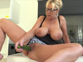 Alysha vegetables and bottles fucked and Ruined Prolapse ass