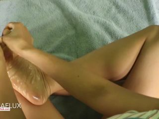 AedonFlux – Oily Feet Close Up