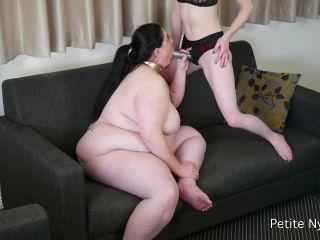 Online Fetish video Almost Airtight: Double Penetration – Petite Nymphet, Honey Analverkehr