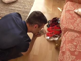 Feet slave – Mistress Eris – Shoe Sniffer Caught In The Act Face Trample Part 1