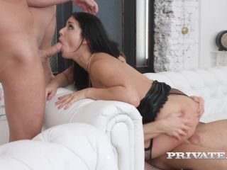 Jessica Lincoln, hardcore threesome with squirting and DP