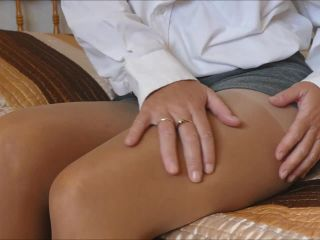Natalie K - cum over and rub your cock on my tights