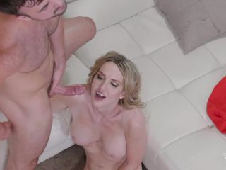 Kayleigh Coxx Grilling & Drilling