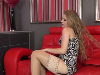 2016 11 29 Michelle Moist – 1v Blonde bombshell (Full HD)