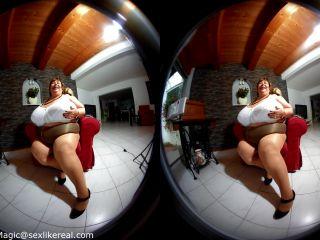 [VR] Karola's Deep Cleavage in a Polka Dot Dress
