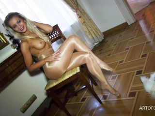 Agness in tan shiny pantyhose