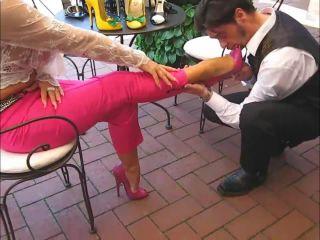 309-05-02 Handjob in Pink