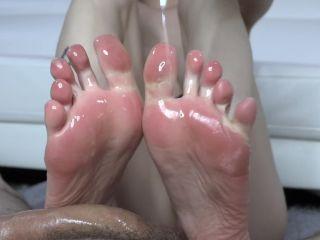 Footjob — Oily Footjob, Precum Dripping & Toe Spreading