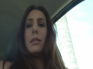 Renna Ryann - Squirting in my car in the carwash!