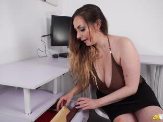 Porn online DownBlouse Jerk - Sophia  - Blow off some steam femdom