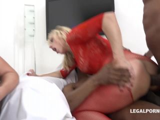 New 16.06.17 Brittany Bardot and Lucy Angel anal prolapse show