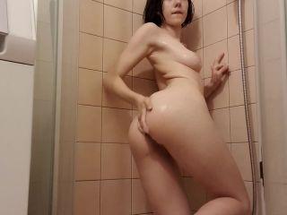 Elles Club Having Fun In a Shower