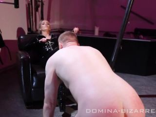 Whipping – Domina-bizarre – Slavetrainig – Teil 3 – Miss Courtney