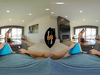 Arietta Adams fucking Will Pounder for some extra cash Oculus Go